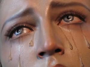 VIRGEN llorando